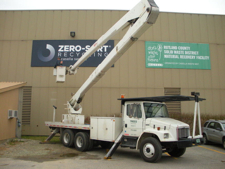Casella Zero Sort large sign install